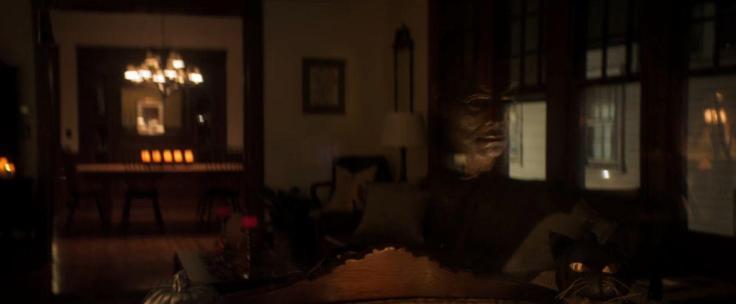 halloween-2018-trailer-imagenes-26-michael-myers-reflejo-en-la-ventana